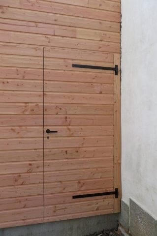 Porte battante en bois