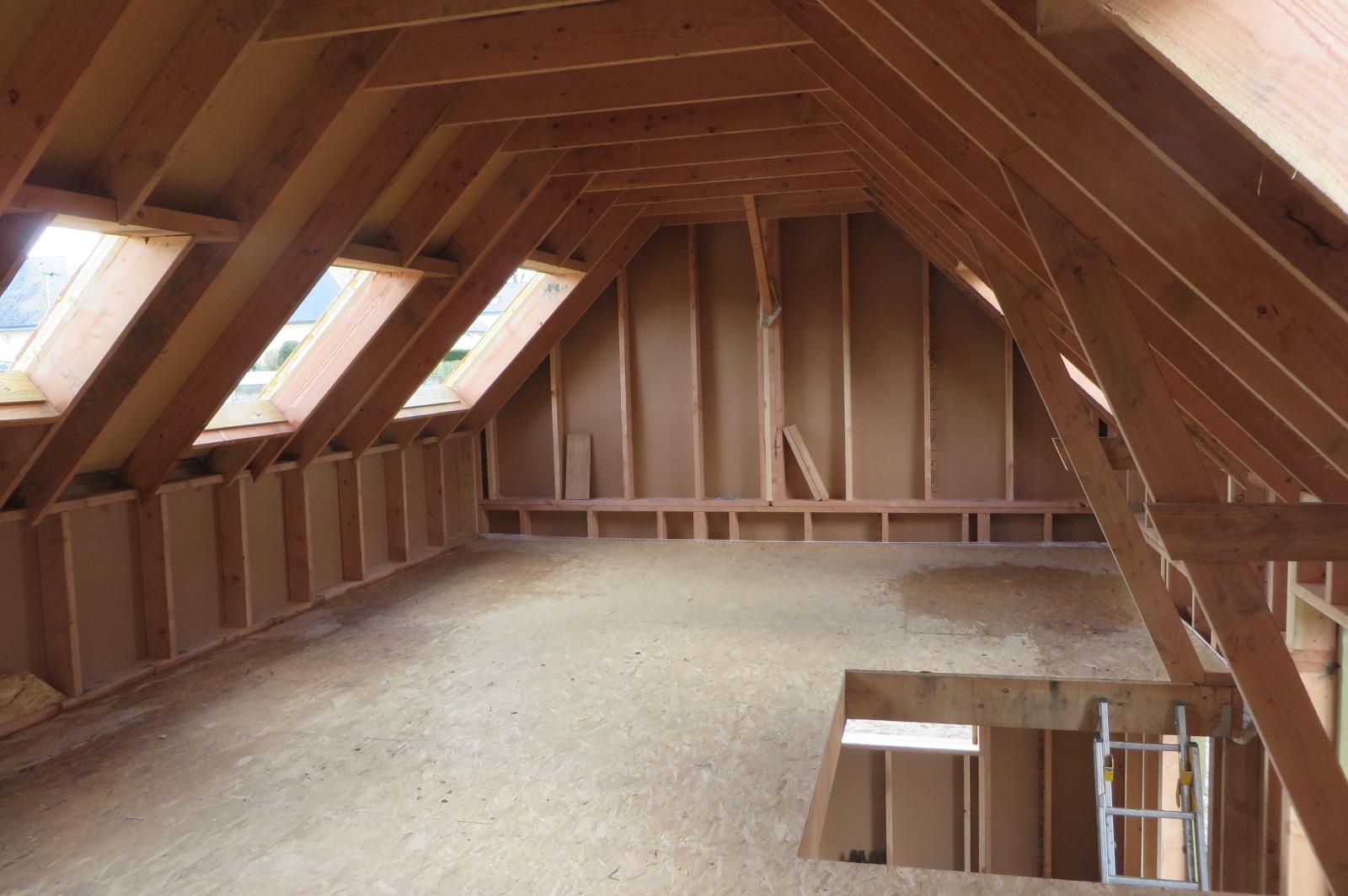 Etage maison ossature bois avant pose vélux et isolant
