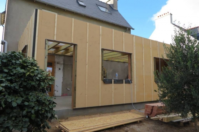 Extension bois finistère avec isolation extérieure en fibre de bois 35mm