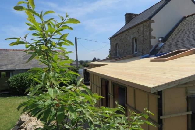 Extension bois hors d 39 eau hors d 39 air lannilis maisons for Extension maison hors d eau hors d air