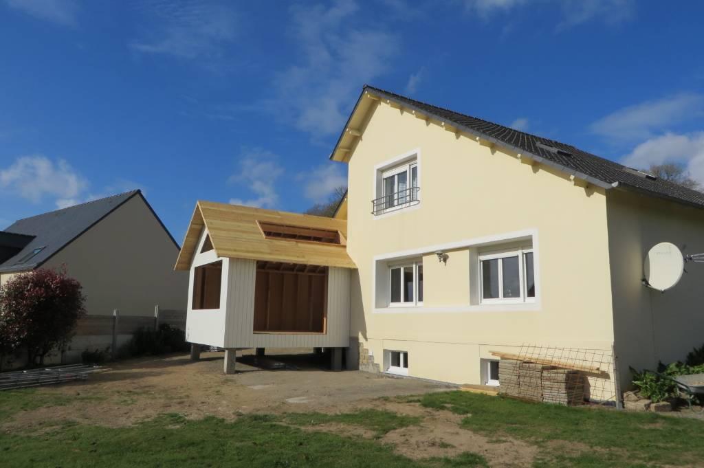 extension ossature bois avec terrasse sur pilotis maisons bois acacia. Black Bedroom Furniture Sets. Home Design Ideas