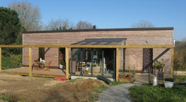 Maison bois de plain pied bioclimatique – Loperhet